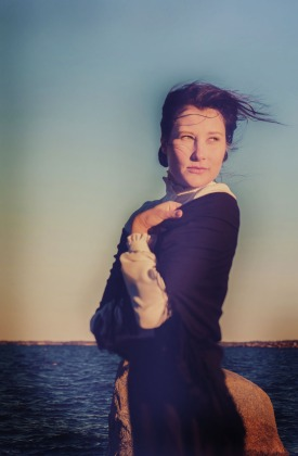 Sofie Lybäck som Signe Strömborg